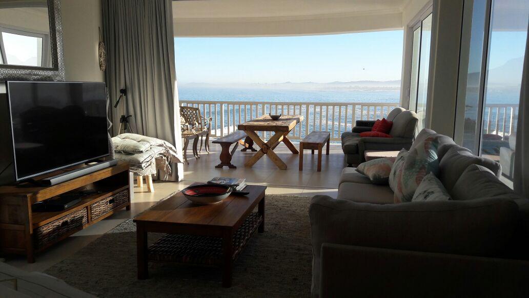 Bikini Beach Suites 2015